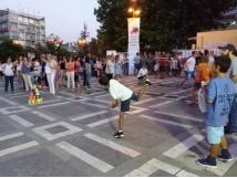 Η «Πολύχρωμη Παλέτα» πλημμύρισε την πλατεία Ελευθερίας Δράμας με χρώματα και μουσική